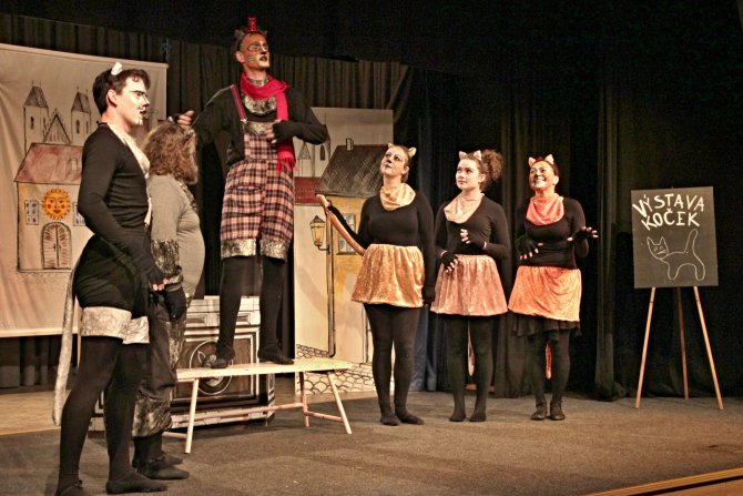Divadlo Máj: Mňau. Foto: M. Drtina